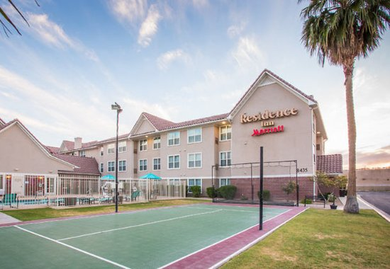 Peoria, AZ: Sports Court