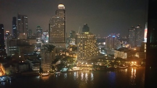 โรงแรมเพนนินซูล่า กรุงเทพ: 20160921_202804_large.jpg
