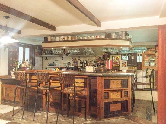 Chateau Hestia Garden Restaurant & Deli: photo1.jpg