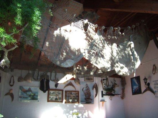 Murter, Хорватия: trofea na ścianie restauracji Konoba Mate