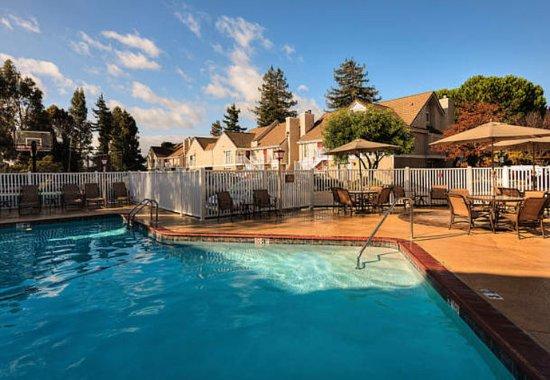 Fremont, CA: Outdoor Pool