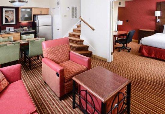 Irving, TX: Penthouse Suite