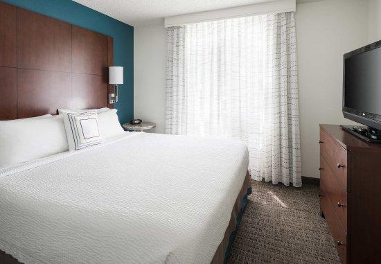 San Ramon, CA: Two-Bedroom Suite - Sleeping Area