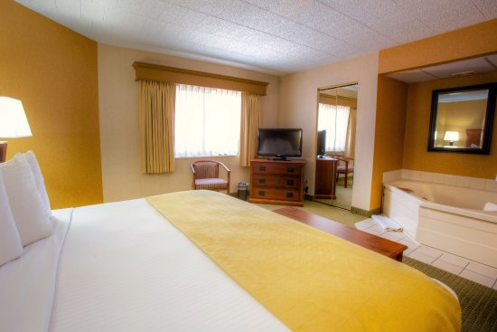 Country Inn & Suites By Carlson, Traverse City Photo