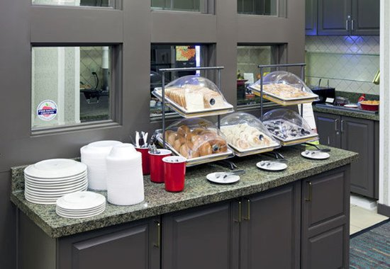 Corona, Kalifornia: Breakfast Buffet