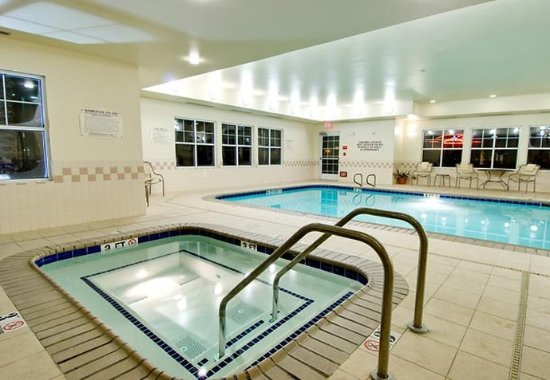 Corona, Kalifornia: Indoor Whirlpool