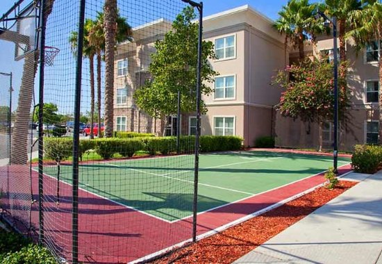Corona, كاليفورنيا: Sport Court