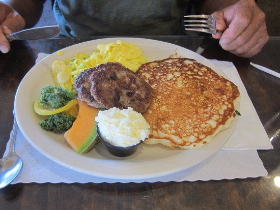 Fallon, NV: Pancakes, sausage and eggs