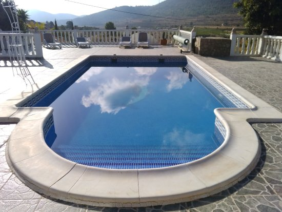 La Romana, Spanien: Early morning view of the  pool and sun terrace