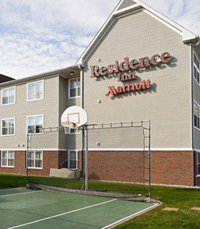 Peoria, IL: Sport Court
