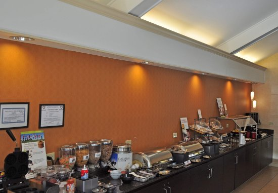 Southington, CT: Breakfast Buffet