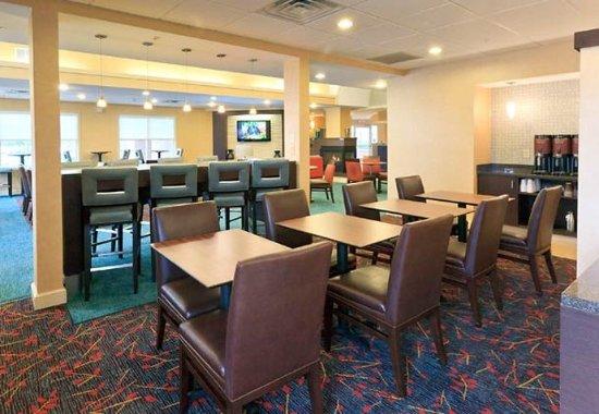 Beavercreek, OH: Lobby Dining Area