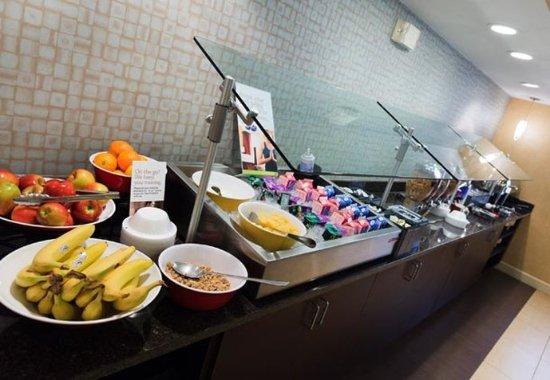 Beavercreek, OH: Breakfast Bar