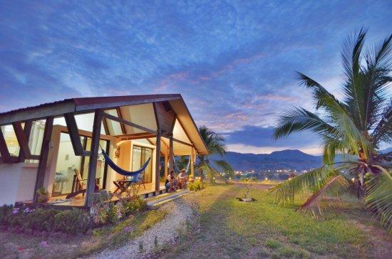Foto Vista Guapa Surf Camp