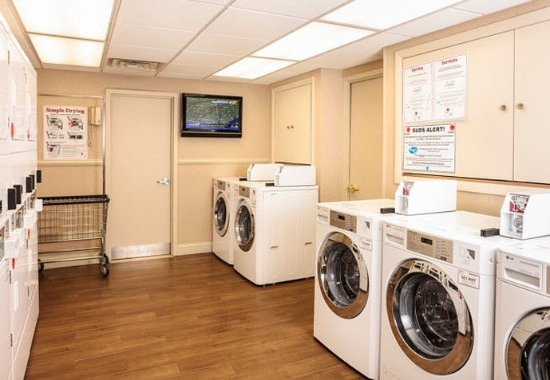 ไวต์เพลนส์, นิวยอร์ก: Guest Laundry