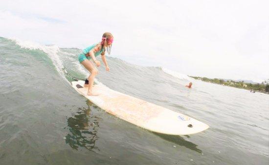Vista Guapa Surf Camp: Lecciones de Surf para niños