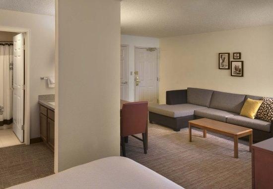 Лейквуд, Колорадо: Studio Suite Living Room