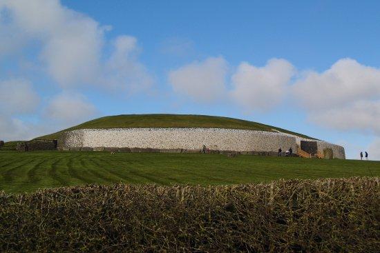 Donore, ไอร์แลนด์: Newgrange monument