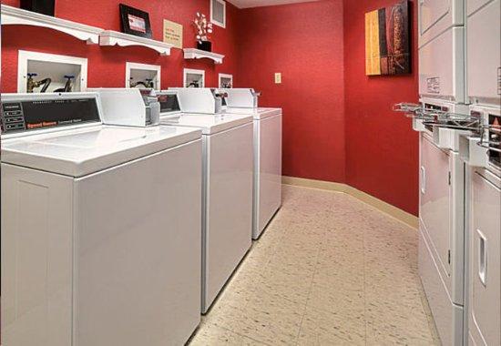 Englewood, Kolorado: Guest Laundry Area