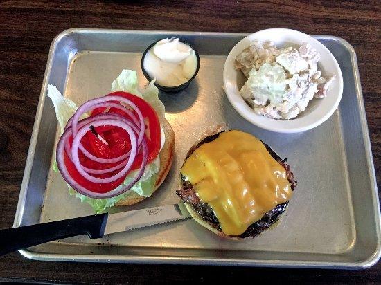 East Rochester, NY: JB's Smokehouse Bacon Cheeseburger and Potatoe Salad