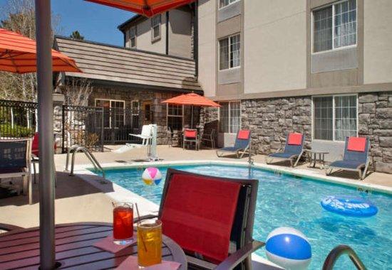 Broomfield, CO: Outdoor Pool