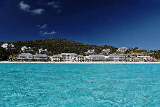 Кануан: Looking back at The Pink Sands Club from the ocean