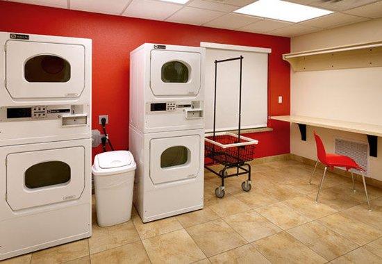Sierra Vista, AZ: Guest Laundry