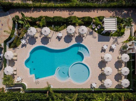Blu Tropical: Piscina Blu Crystal Pool