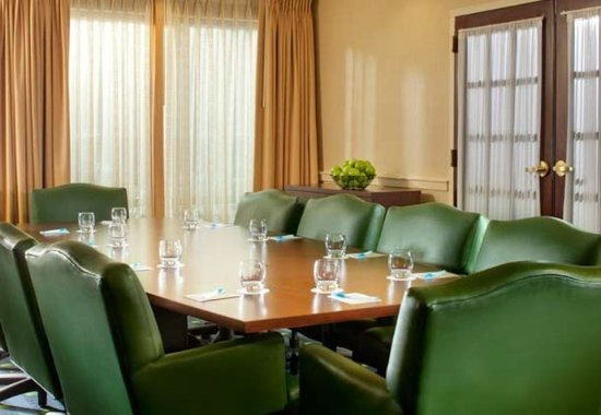 Centreville, VA: Meeting Room