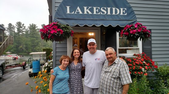 Lakeside Motel & Cabins: The owners