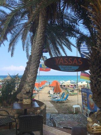 Yassas Beach Bar : photo2.jpg