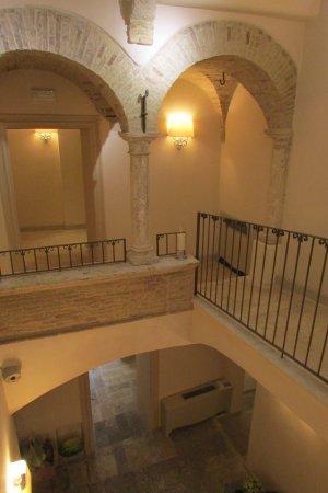 Hotel Palazzo dei Mercanti: Atrio del palazzo