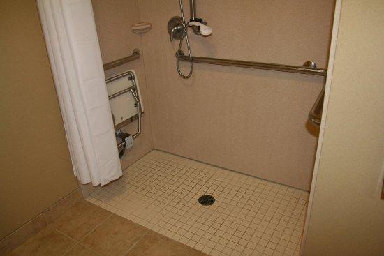 Fairmont, MN: Accessible Shower