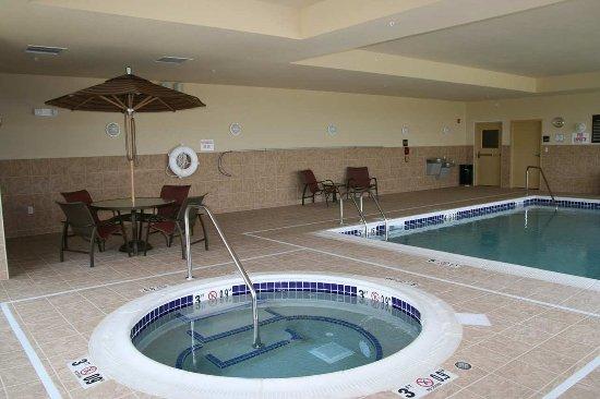 Fairmont, MN: Pool