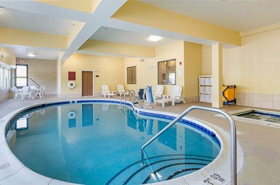 Comfort Suites Wytheville: Indoor Pool