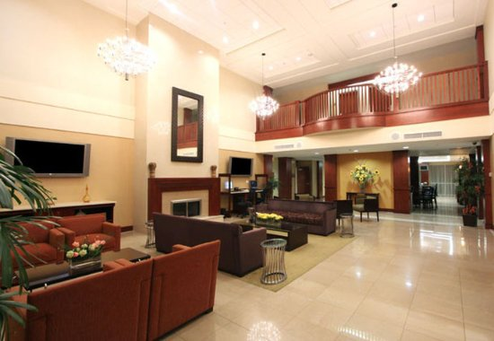 Somerset, NJ: Lobby