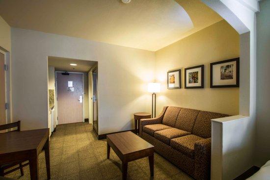 Comfort Suites Miami / Kendall: Flnqq