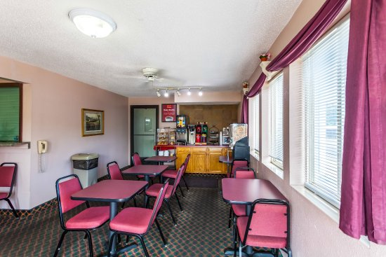Econo Lodge Lincoln: Breakfast