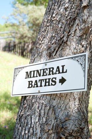 Ukiah, CA: Baths Sign