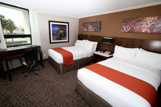 Holiday Inn Long Beach Airport Hotel