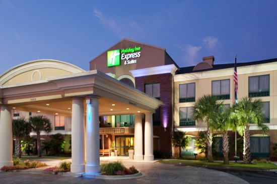 Holiday Inn Express & Suites Florence I-95 & I-20 Civic Ctr: Hotel Exterior