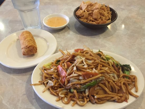 Alcoa, TN: Veggie Lo Mein Lunch