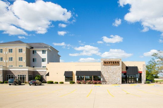 Holiday Inn & Suites Airport: Perfect for lunch or dinner with clients or a special occassion