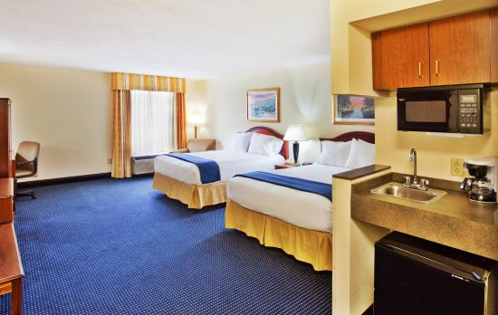 Holiday Inn Express & Suites Atlanta N-Perimeter Mall Area: Double Bed Guest Room