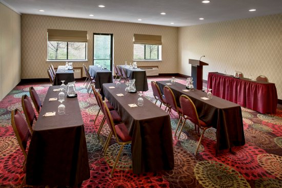 Rensselaer, NY: Use the Hudson Room or Empire Room classroom style.