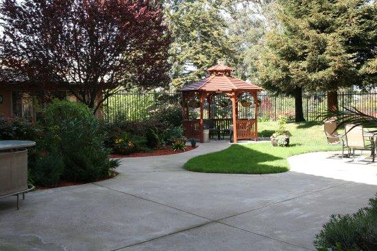 ซานพาโบล, แคลิฟอร์เนีย: Beautiful Courtyard