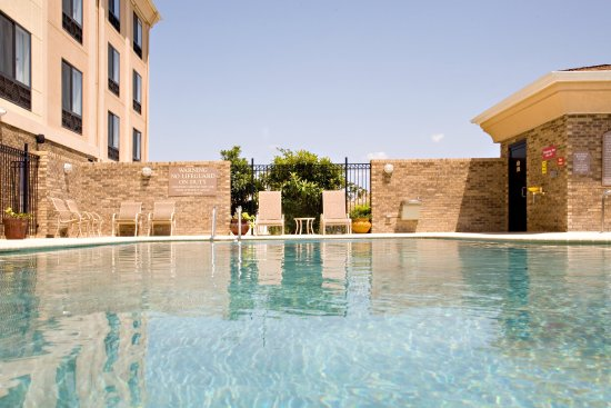 Selma, TX: Unwind in our outdoor pool and spa