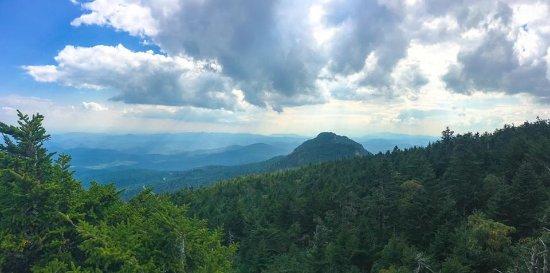 Grandfather Mountain: Calloway Peak views.