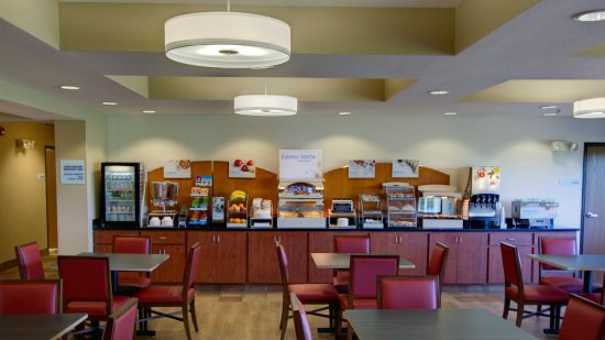 Sioux Center, IA: Breakfast Bar