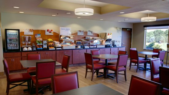 Sioux Center, IA: Breakfast Serving Area